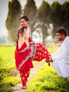 Very Happy Punjabi Couple Photo Pics Download In HD