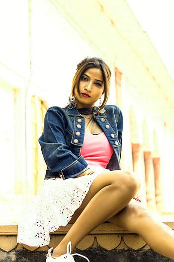 Stylish Girls Whatsapp DP Profile Wallpaper Pics Free