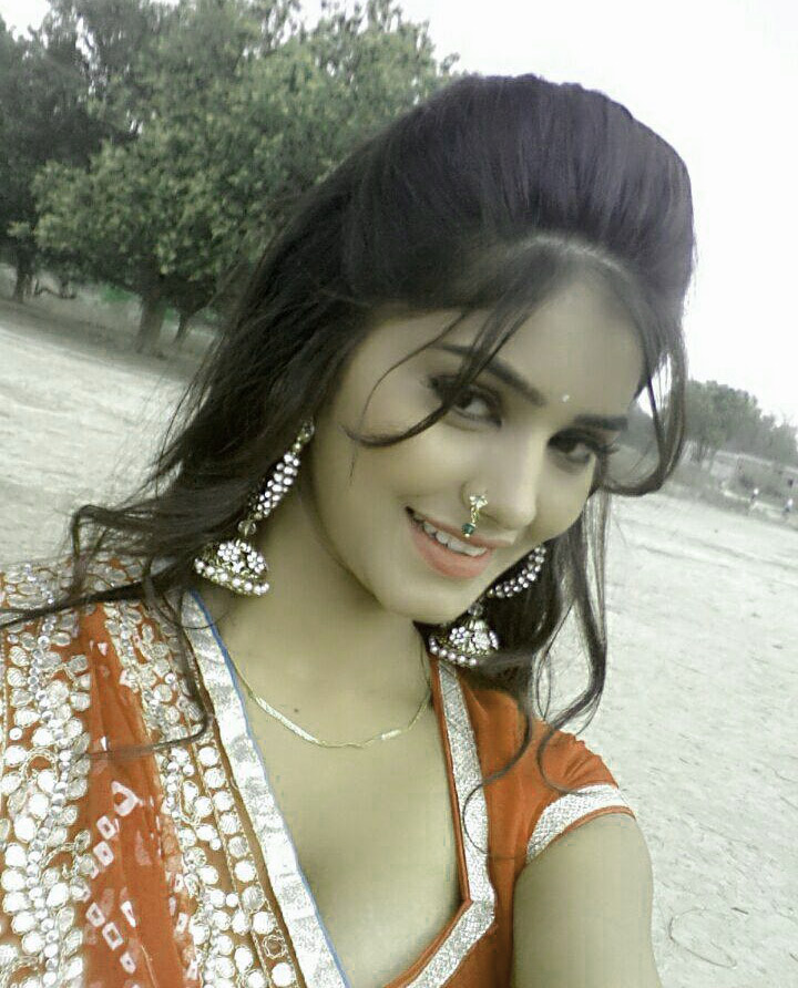 Beautiful Bhojpuri Actress Images Wallpaper free Download