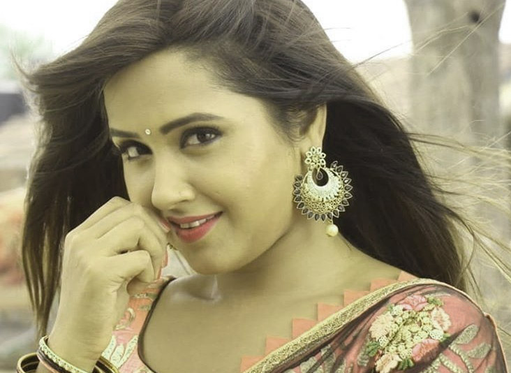 Latest Free Bhojpuri Actress Images Pics Download