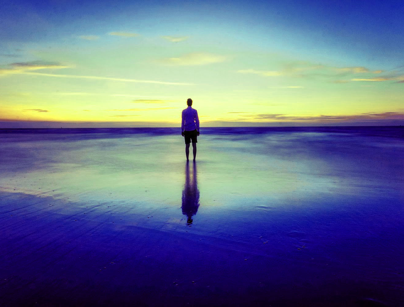 Free Top Sad Alone Boy Whatsapp DP Pics Download