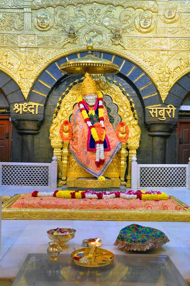 Lord Sai baba Wallpaper Pics Download