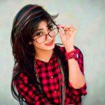 Stylish Girls Whatsapp DP Images 9