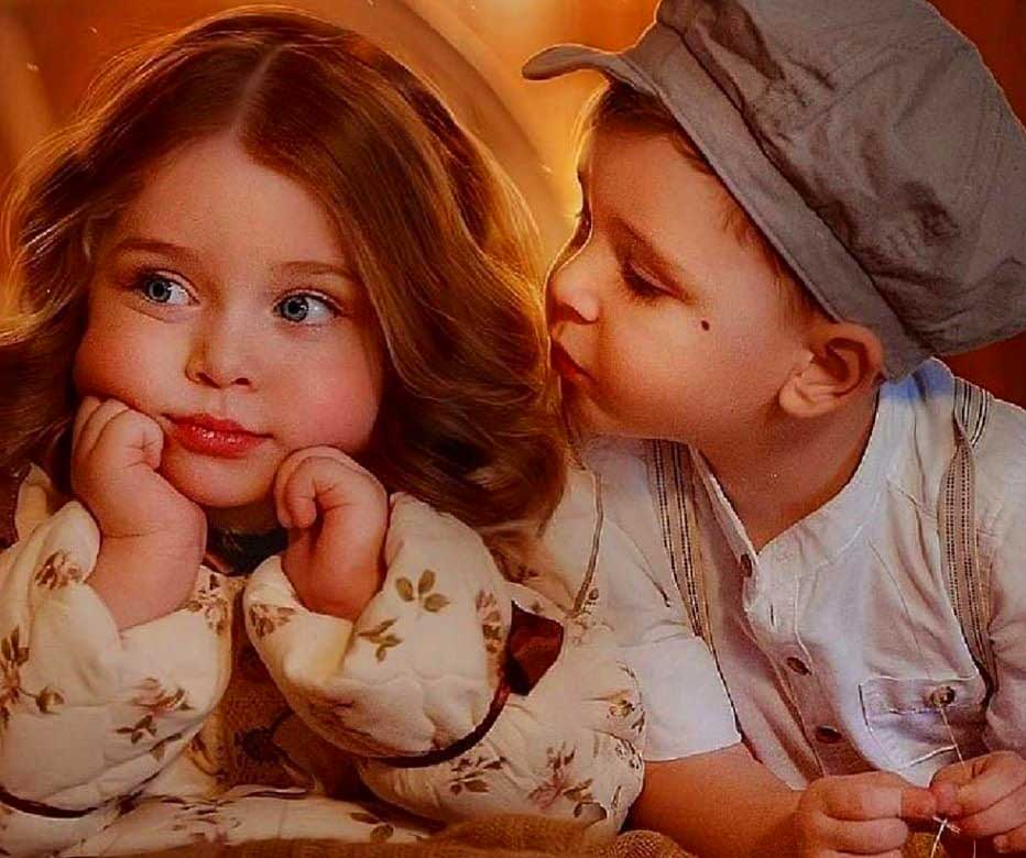 Very Cute Love Couple Whatsapp DP Profile Images pics Download