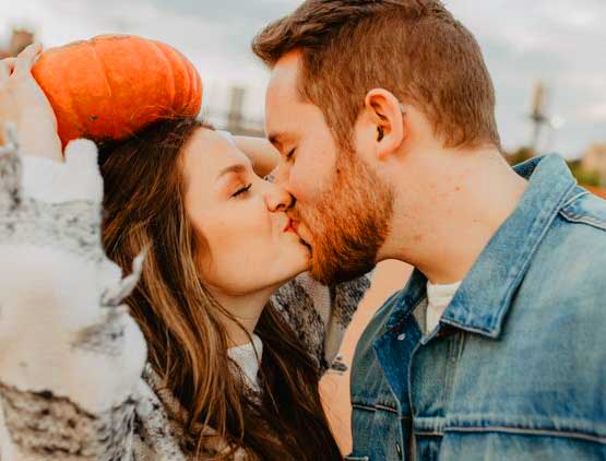 Love Couple Whatsapp DP Profile Images Wallpaper HD Download