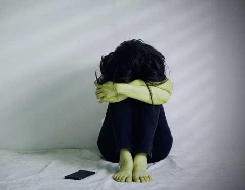 Sad Breakup Whatsapp DP Profile Images Wallpaper pics Downward