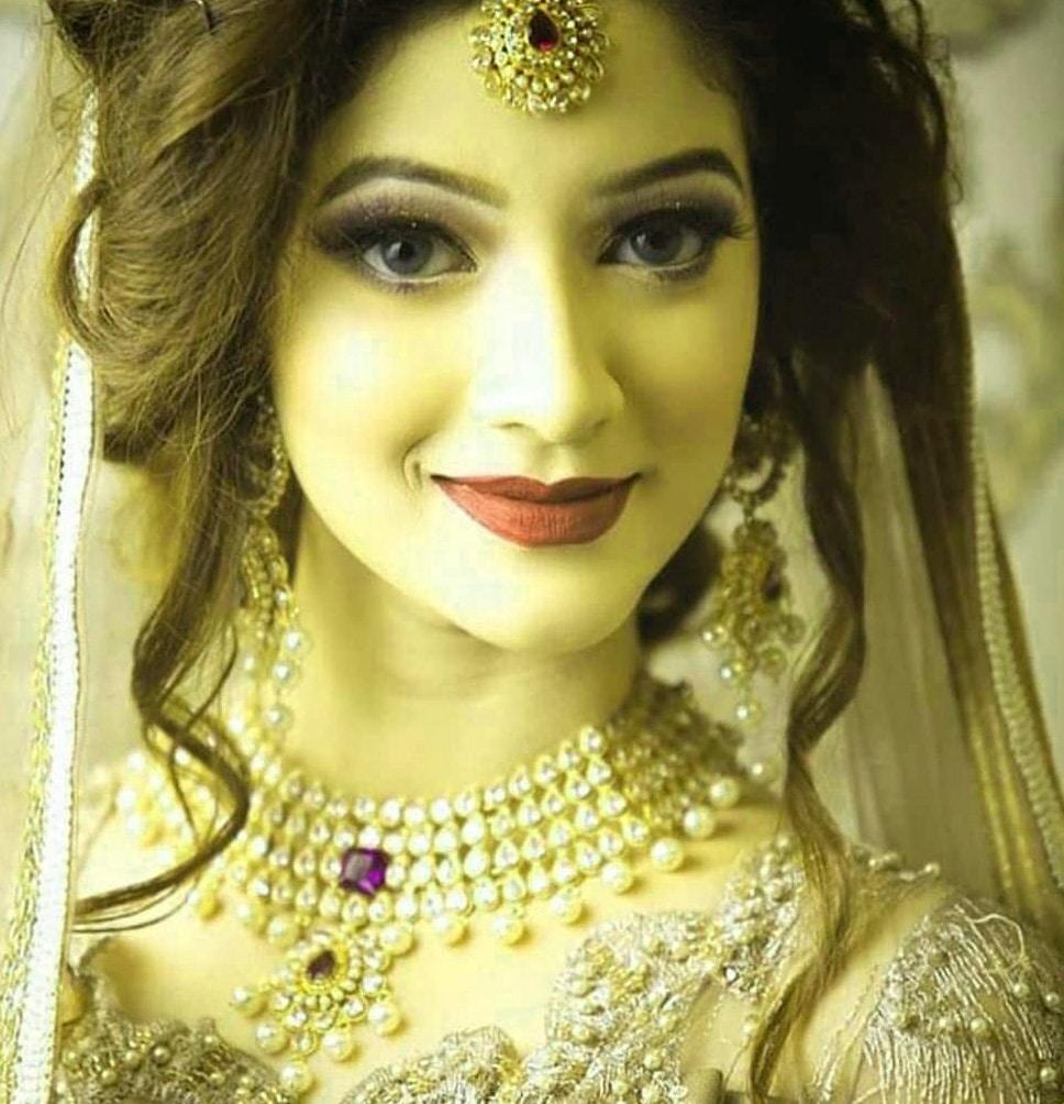 Full HD Beautiful Stylish Girls Whatsapp DP Profile Images Wallpaper Free Download