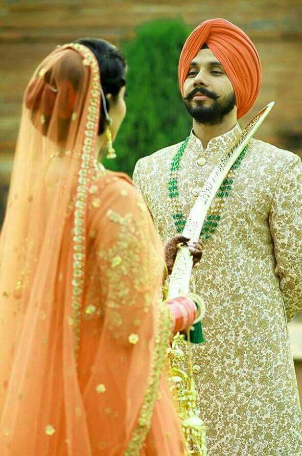 Best Punjabi Couple Pics Free