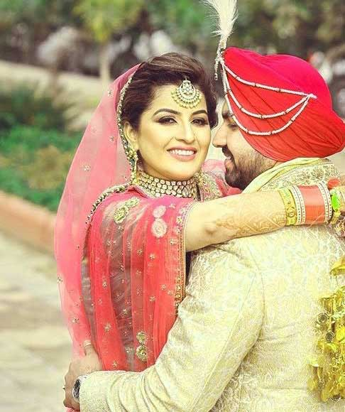 Cute Punjabi Couple Download Pics