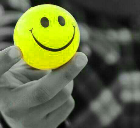 Smile Whatsapp Dp Pics Free